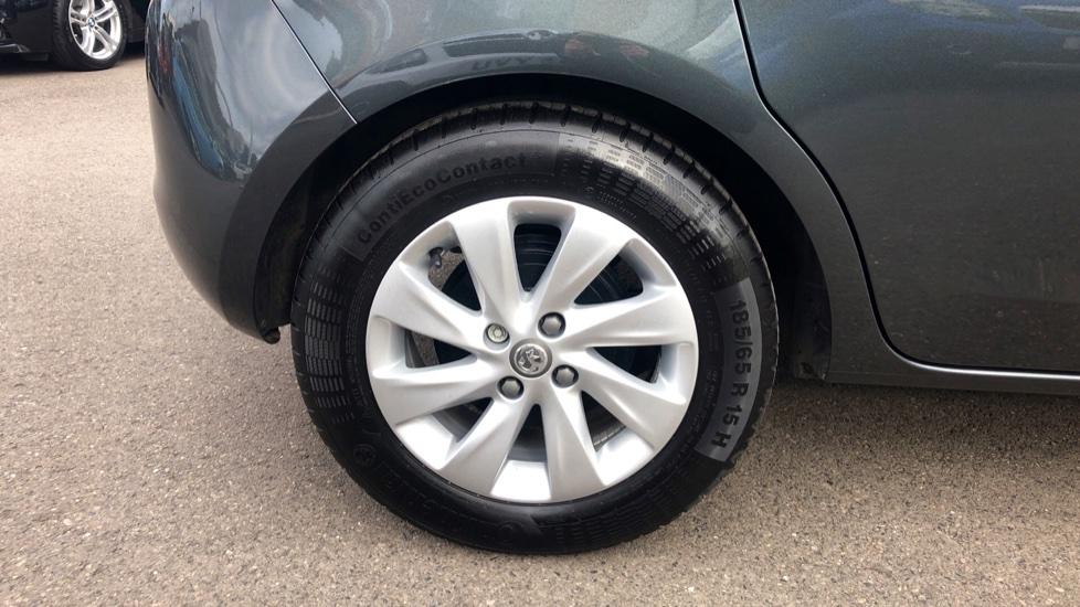 Vauxhall Corsa 1.4 Design 5dr image 8
