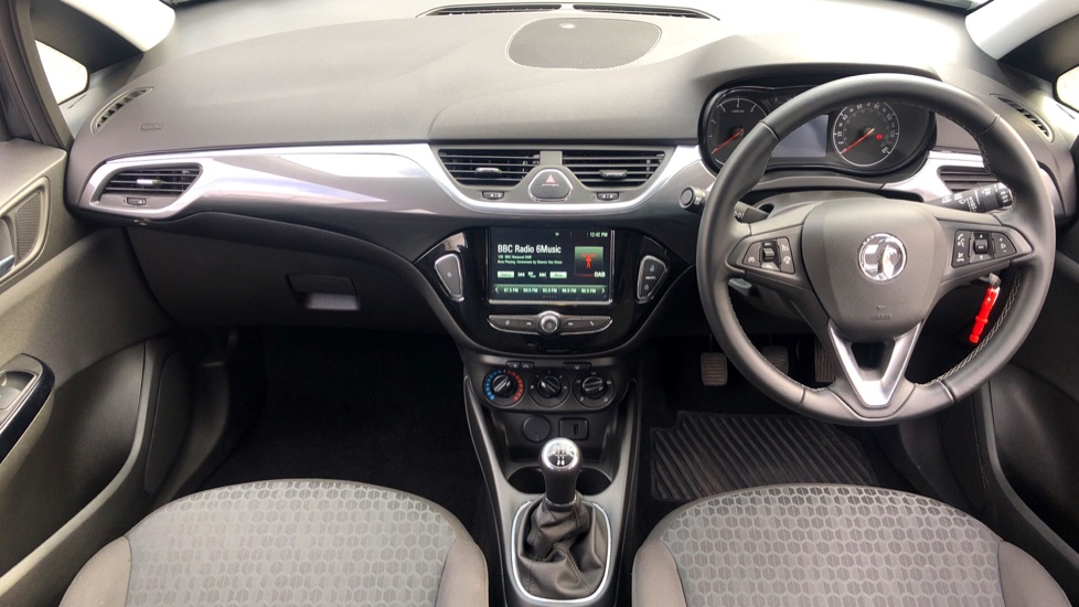Vauxhall Corsa 1.4 Design 5dr image 9