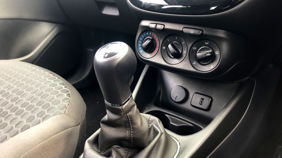 Vauxhall Corsa 1.4 Design 5dr image 20
