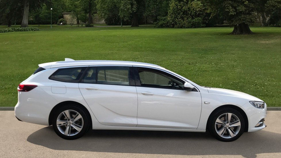 Vauxhall Insignia 1.6 Turbo D ecoTec [136] Tech Line Nav 5dr - Navi 900 IntelliLink Navigation & Parking Sensors image 4