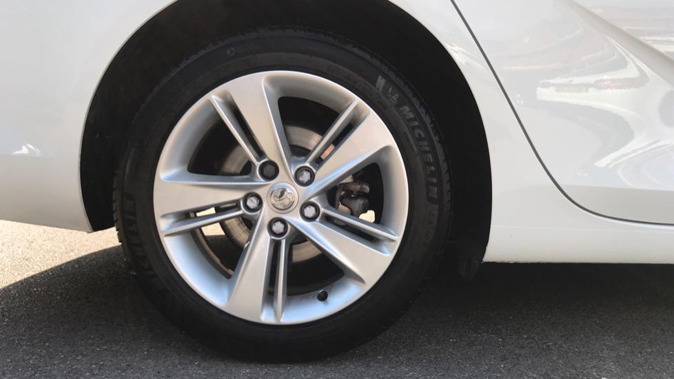 Vauxhall Insignia 1.6 Turbo D ecoTec [136] Tech Line Nav 5dr - Navi 900 IntelliLink Navigation & Parking Sensors image 8