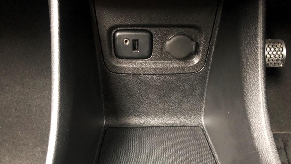 Vauxhall Viva 1.0 SE 5dr image 19