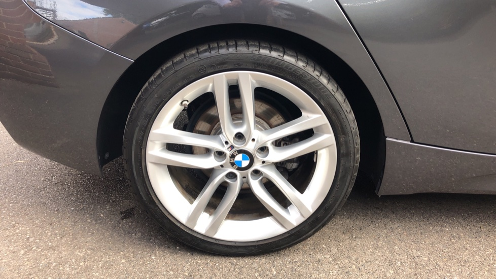 BMW 1 Series 118d M Sport 5dr [Nav] image 8