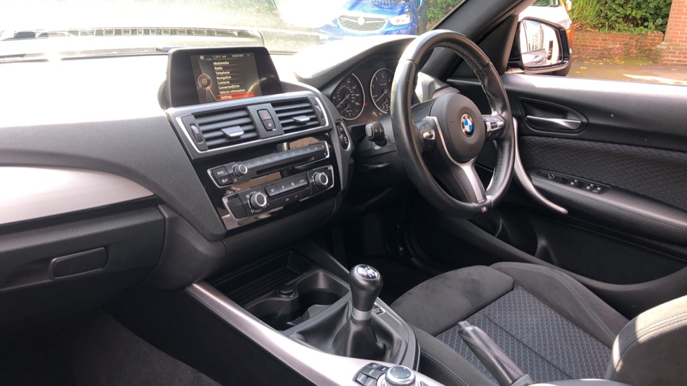 BMW 1 Series 118d M Sport 5dr [Nav] image 13