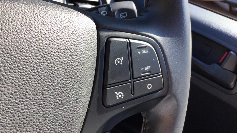 Hyundai i10 1.0 SE 5dr - Air Con, Bluetooth & Cruise Control image 19