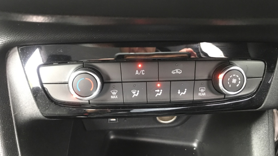 Vauxhall Corsa 1.2 SE 5dr - Multifunction Touchscreen, Bluetooth & Cruise Control image 16