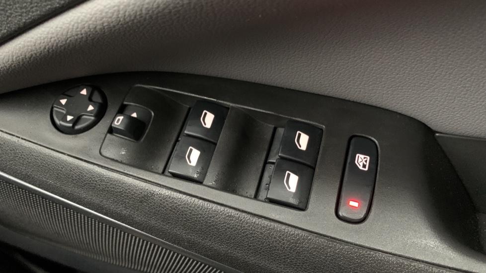 Vauxhall Crossland X 1.2T [130] Elite Nav [Start Stop] image 20