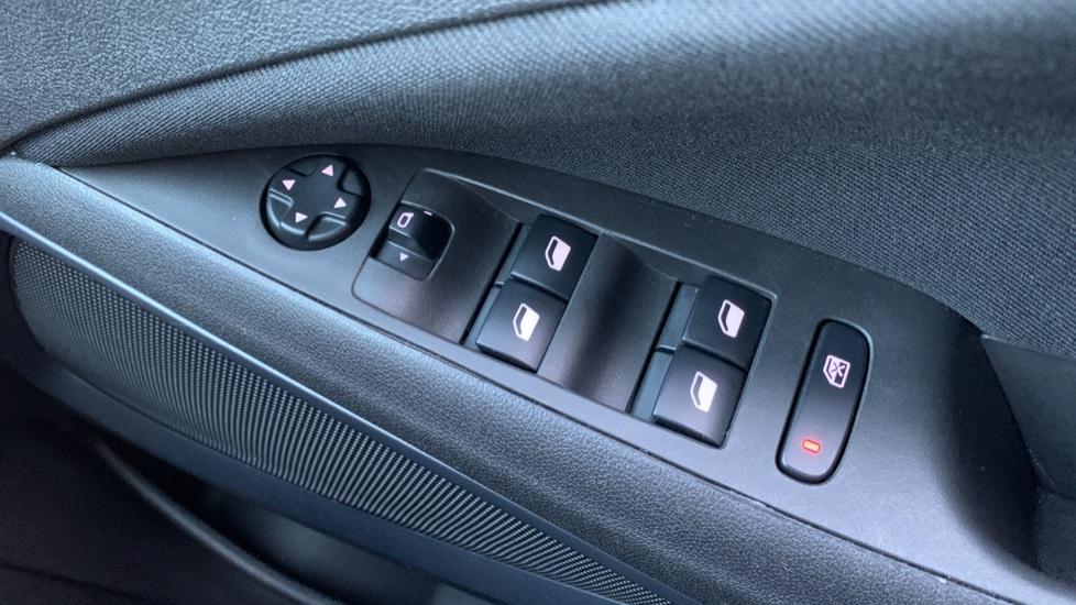 Vauxhall Crossland X 1.2T ecoTec [110] SE Nav [6 Speed] [S/S] image 20