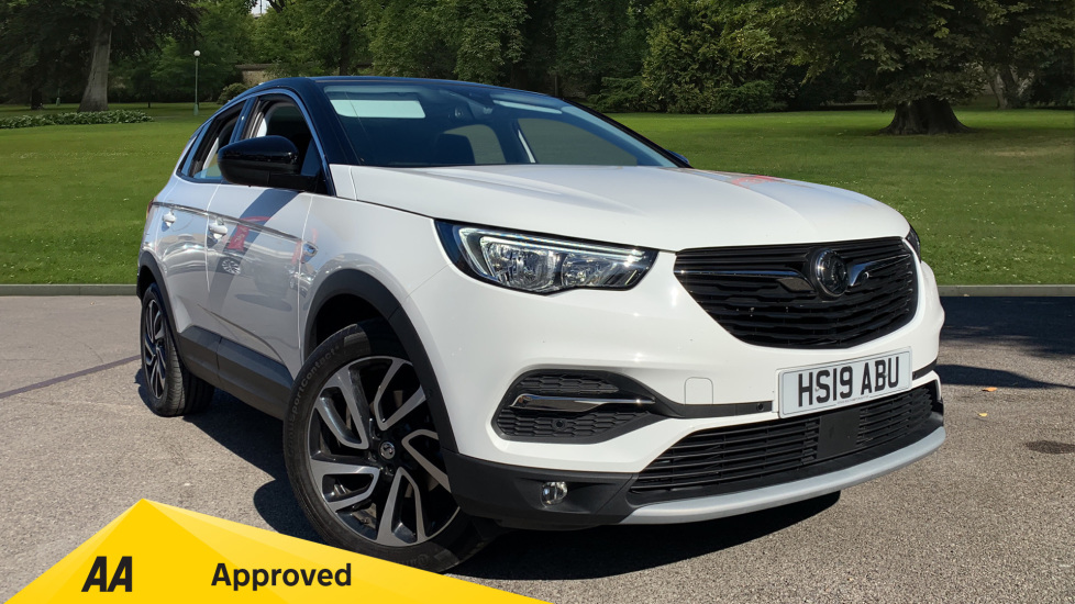 Vauxhall Grandland X 1.2T Elite Nav [8 Speed] Automatic 5 door Hatchback (2019) at Doves Vauxhall Southampton thumbnail image