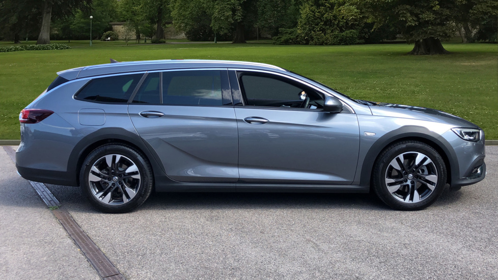 Vauxhall Insignia Country Tourer 2.0 Turbo D 4X4 5dr image 4