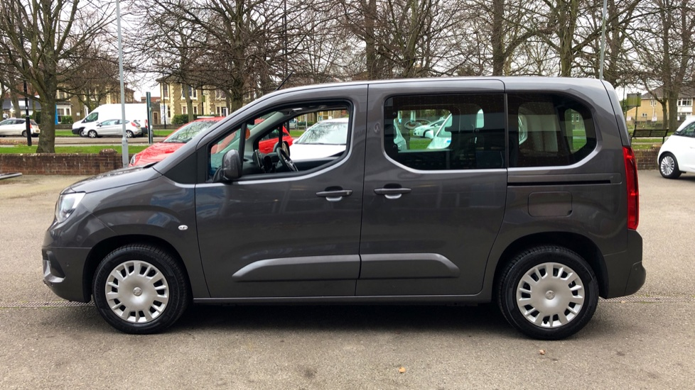 Vauxhall Combo Life 1.5 Turbo D Energy 5dr image 5