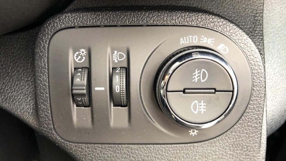 Vauxhall Combo Life 1.5 Turbo D Energy 5dr image 13