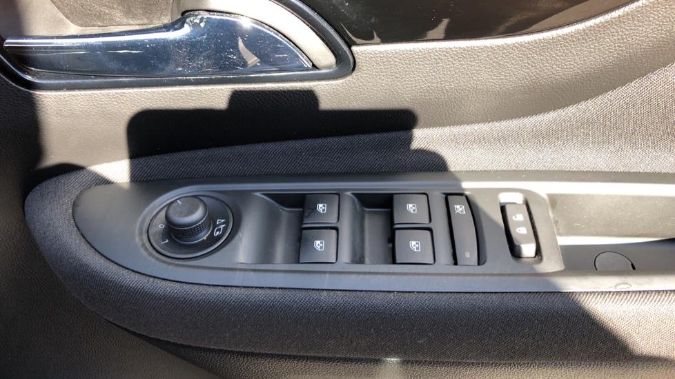 Vauxhall Mokka X 1.6i Active 5dr image 14