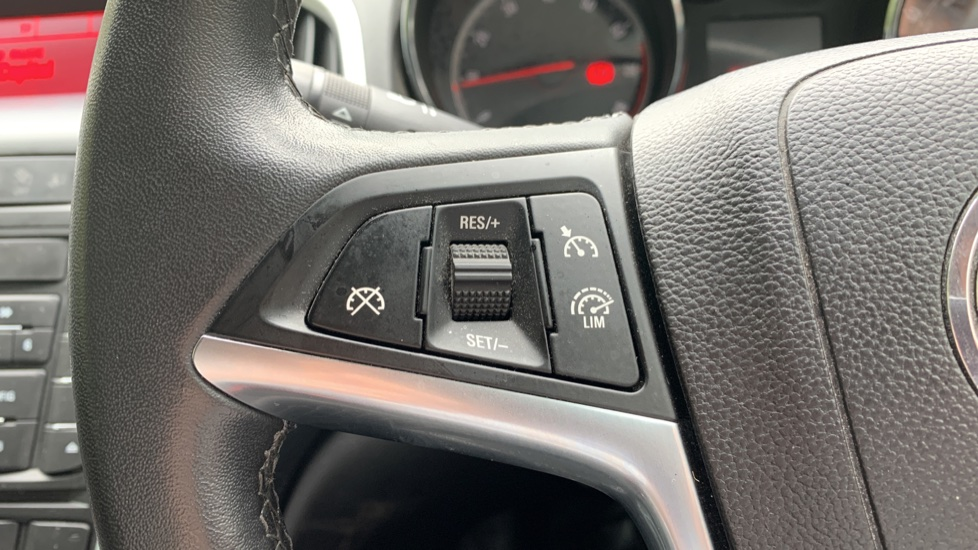 Vauxhall Astra 1.4i 16V Excite 5dr image 18