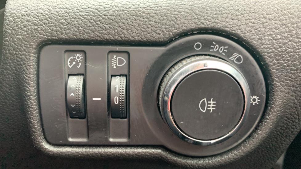 Vauxhall Astra 1.4i 16V Excite 5dr image 21