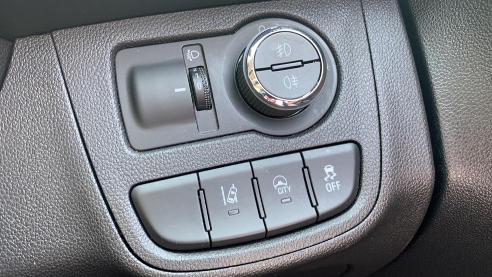 Vauxhall Viva 1.0 SE [A/C] image 15