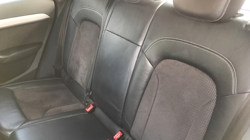 Audi Q3 2.0 TDI [184] Quattro S Line Plus S Tronic - Audi Drive Select, High-beam Assist & Sat Nav image 9
