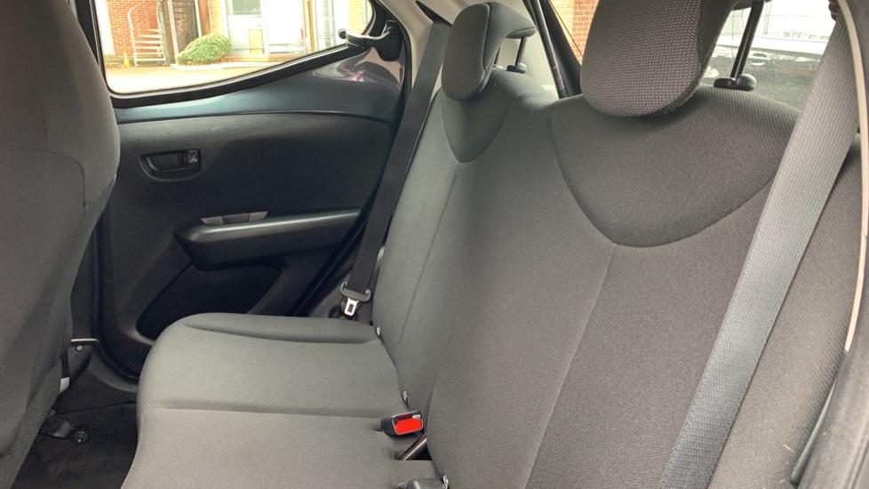 Toyota Aygo 1.0 VVT-i X 5dr image 9