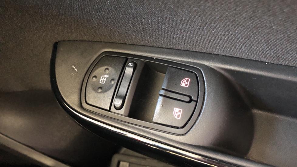 Vauxhall Corsa 1.4 SRi Nav 5dr image 20