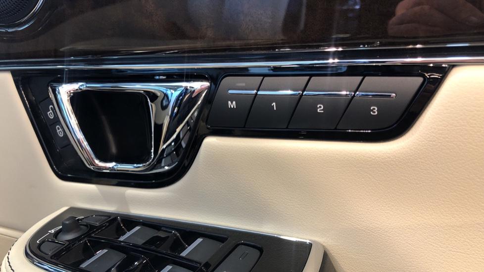 Jaguar XJ 3.0d V6 XJ50 image 14