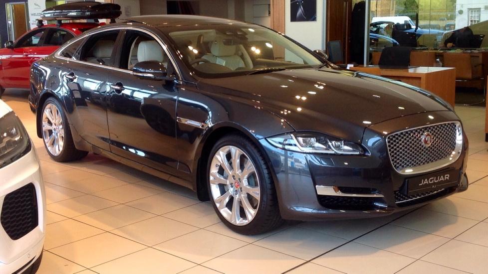 Jaguar XJ 3.0d V6 Portfolio 4dr image 8