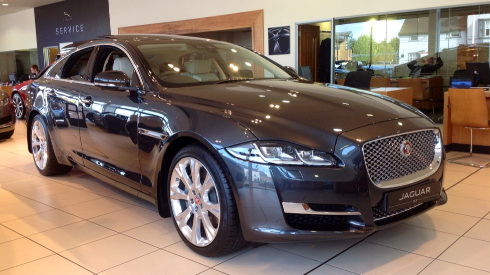 Jaguar XJ Portfolio Delivery Mileage Save £21,886 ! 3.0 Diesel Automatic 4 door Saloon (2018)