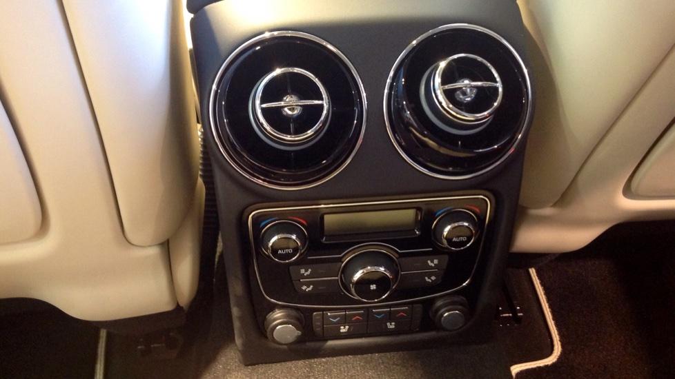 Jaguar XJ 3.0d V6 Portfolio 4dr image 19