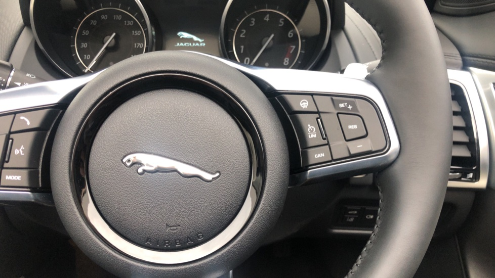 Jaguar F-TYPE 3.0 380 Supercharged V6 R-Dynamic Unregistered SAVE 12830 !!  image 16
