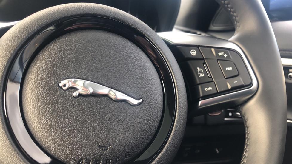 Jaguar F-TYPE R-Dynamic 5.0 2021 image 15