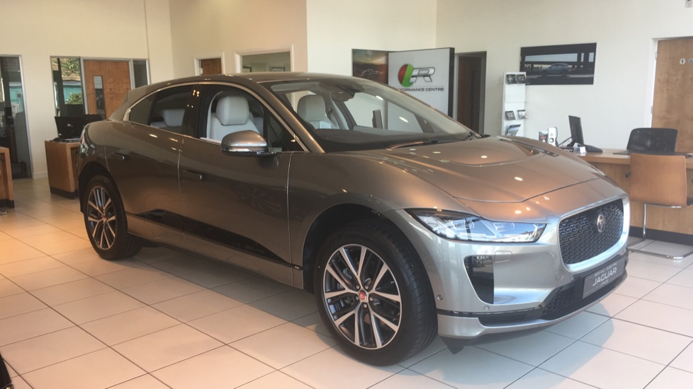 Jaguar I-PACE 90kWh EV400 SE Electric Automatic 5 door Estate (2019) image