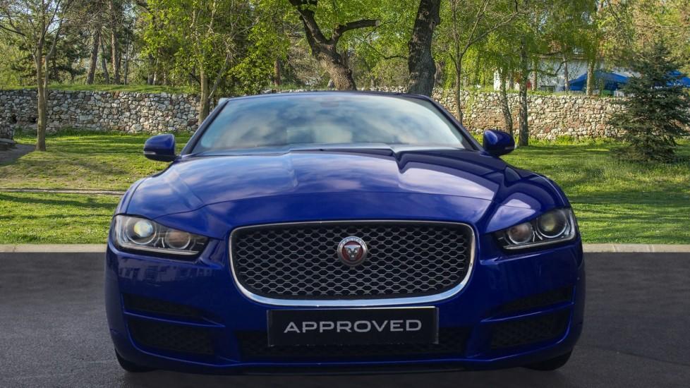 Jaguar XE 2.0d [180] Portfolio image 7
