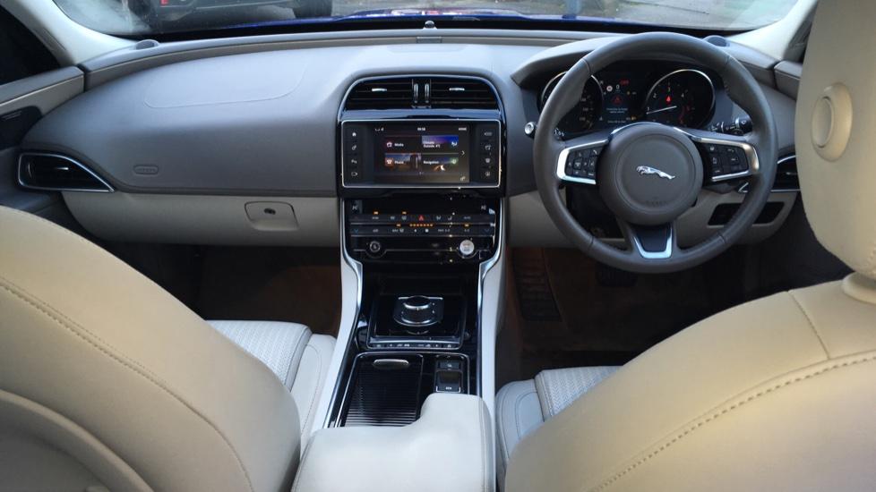 Jaguar XE 2.0d [180] Portfolio image 9