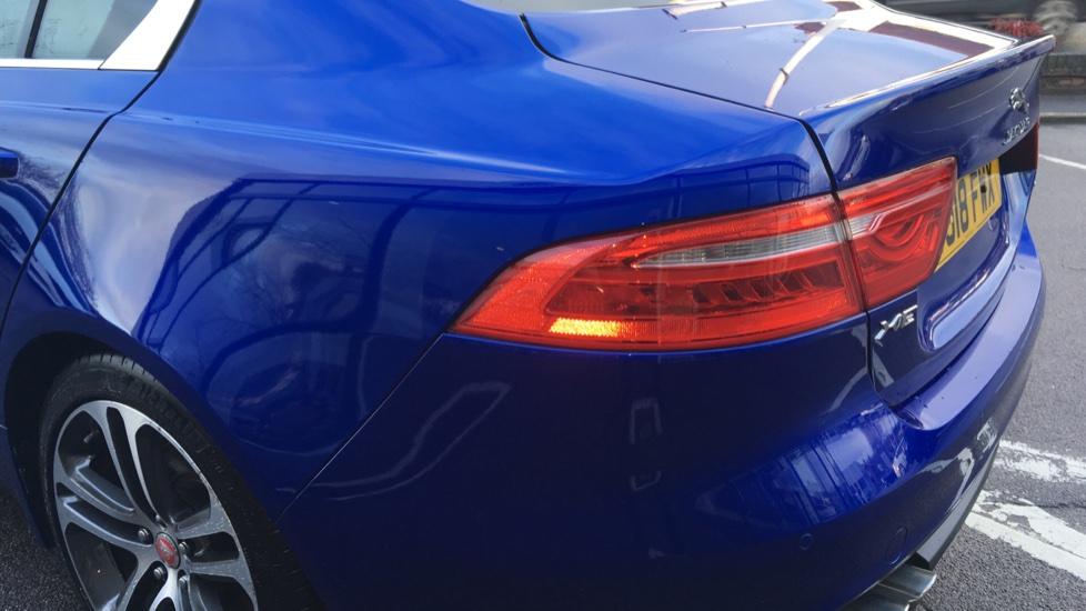 Jaguar XE 2.0d [180] Portfolio image 11