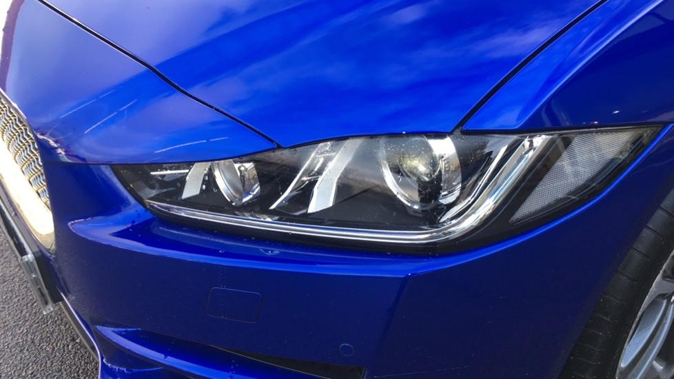 Jaguar XE 2.0d [180] Portfolio image 14