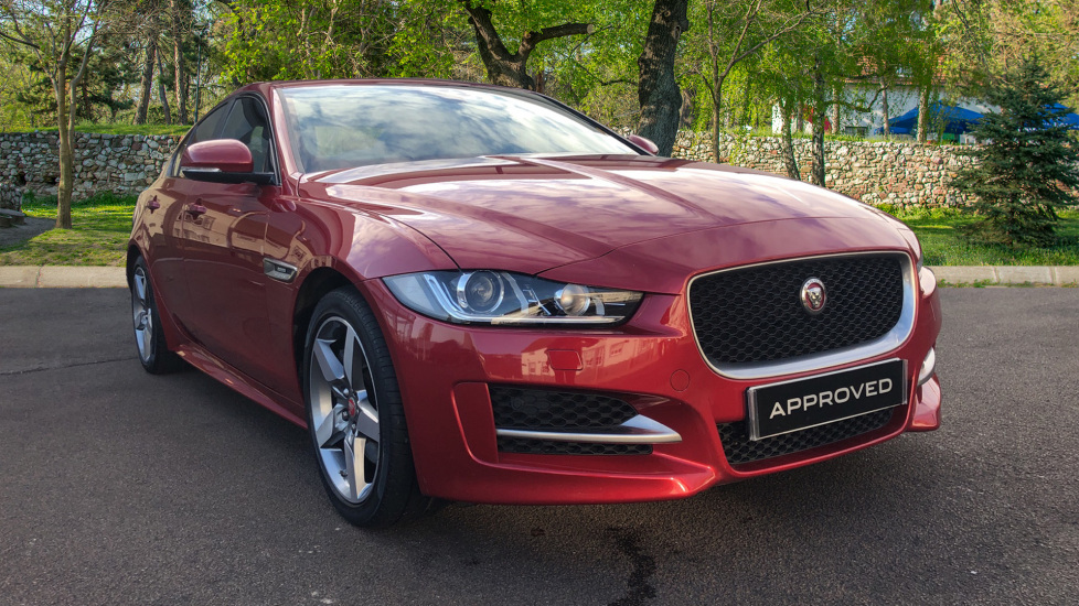 Jaguar XE 2.0 [240] R-Sport Automatic 4 door Saloon (2016)