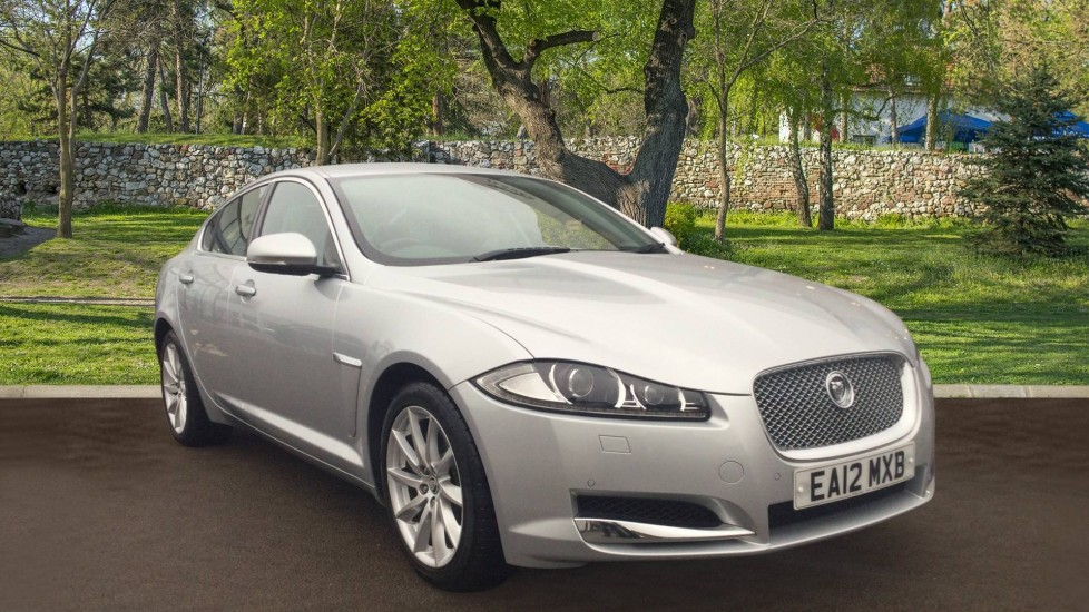 Jaguar XF 2.2d Premium Luxury Diesel Automatic 4 door Saloon (2013) image
