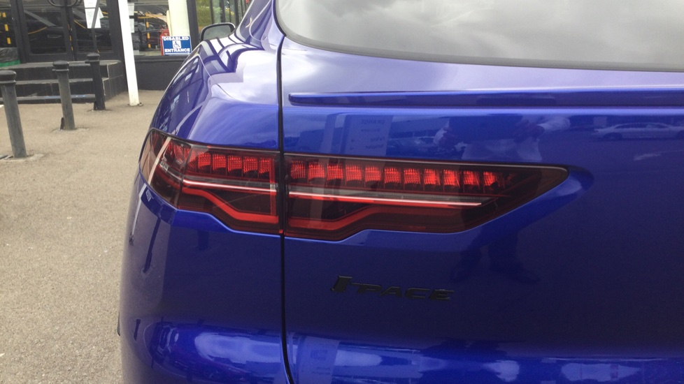 Jaguar I-PACE EV400 AWD Auto HSE- PAN ROOF - BLACK PACK - PRIVACY image 12