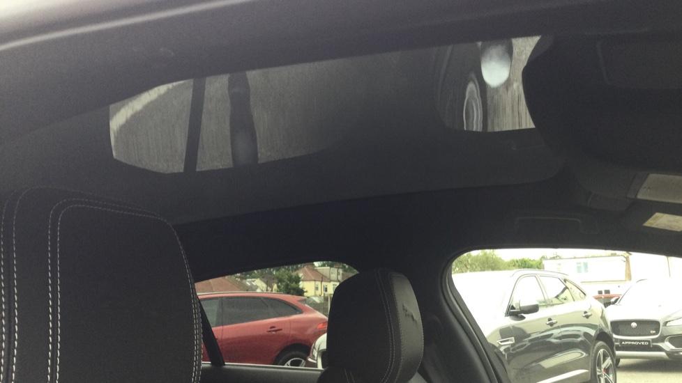 Jaguar I-PACE EV400 AWD Auto HSE- PAN ROOF - BLACK PACK - PRIVACY image 24