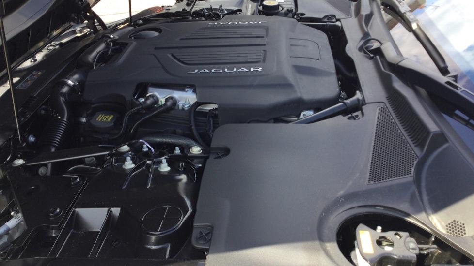 Jaguar F-TYPE 5.0 P450 S/C V8 First Edition 2dr AWD image 26