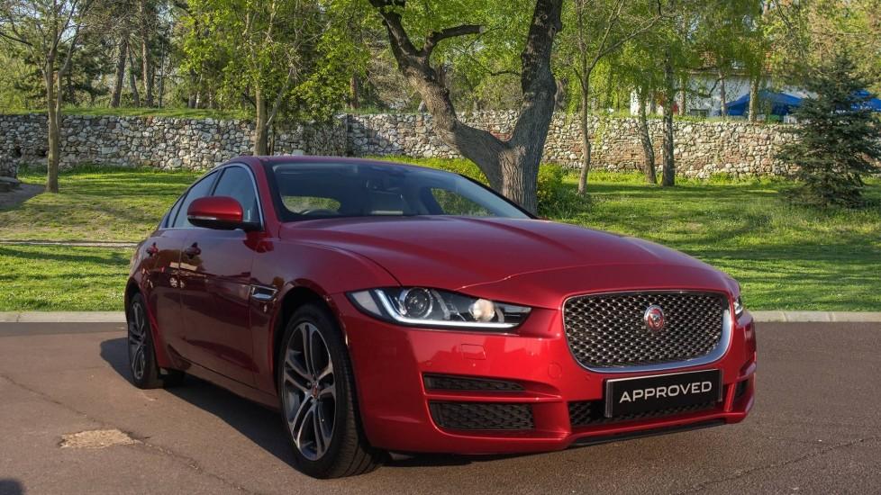 Jaguar XE 2.0d [180] Portfolio High Spec with Low Miles and Pan Roof Diesel Automatic 4 door Saloon (2017)