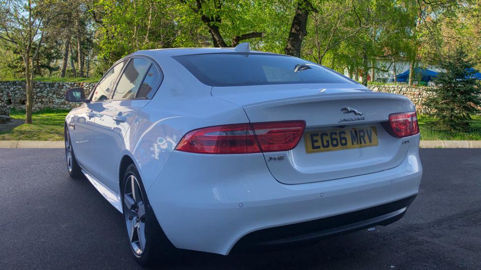 Jaguar XE 2.0 R-Sport image 2