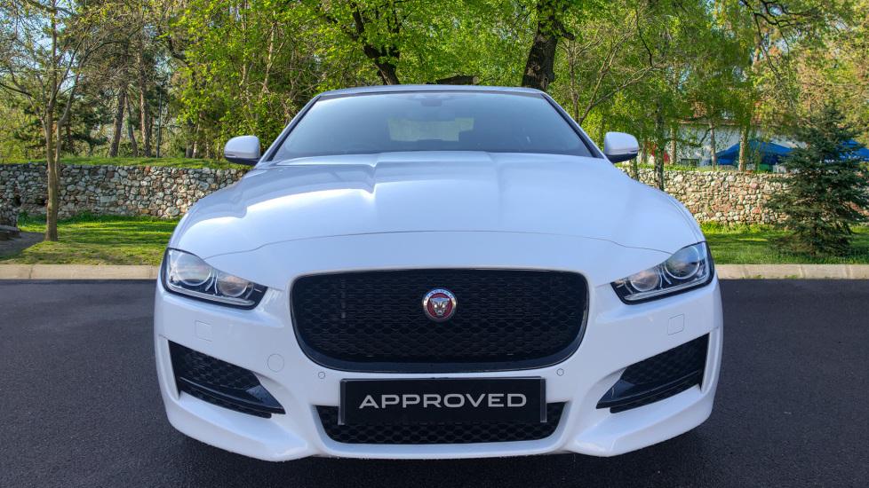 Jaguar XE 2.0 R-Sport image 7