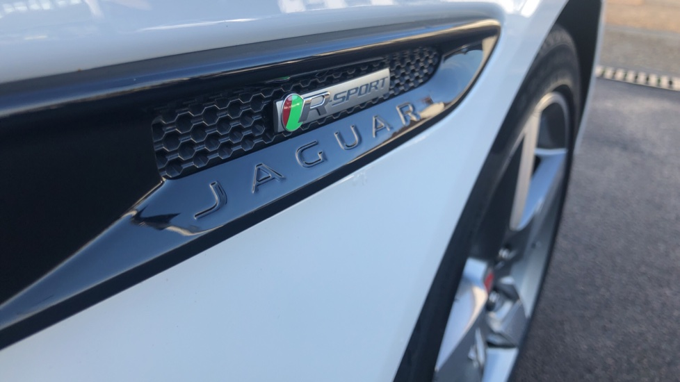 Jaguar XE 2.0 R-Sport image 11