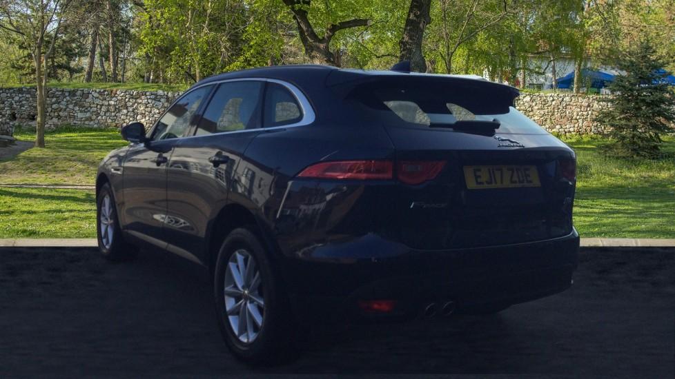 Jaguar F-PACE 2.0d Prestige 5dr AWD image 2