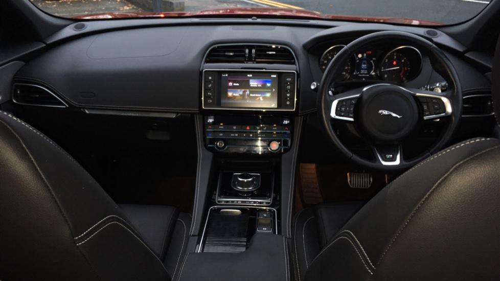 Jaguar F-PACE 2.0d R-Sport 5dr AWD Pan Roof, Black Pack, 20 inch Alloys image 9