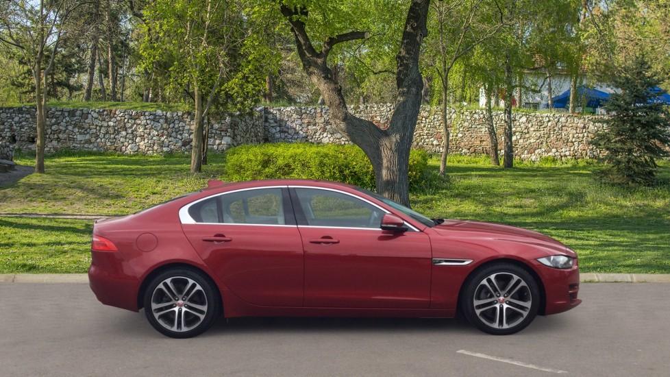 Jaguar XE 2.0d [180] Prestige image 5