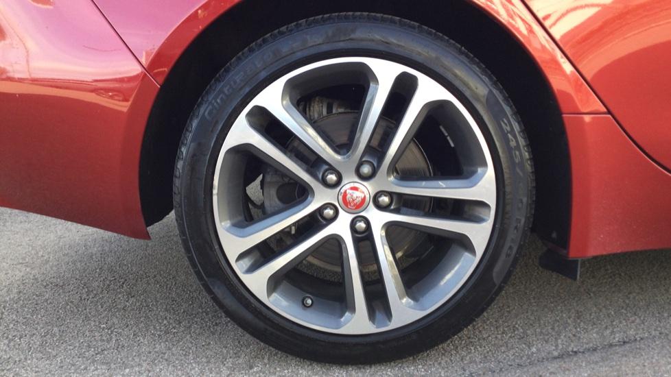 Jaguar XE 2.0d [180] Prestige image 8