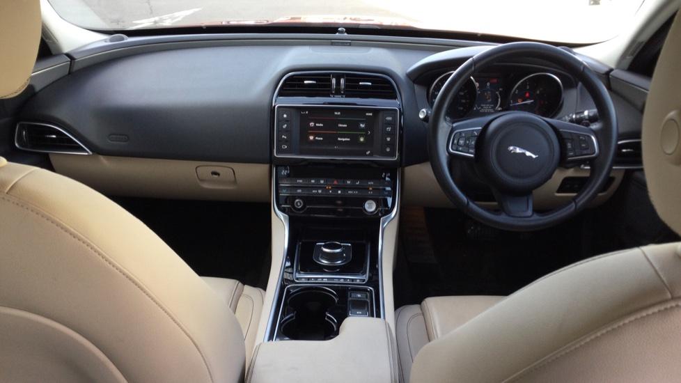 Jaguar XE 2.0d [180] Prestige image 9