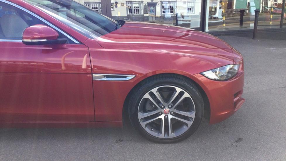 Jaguar XE 2.0d [180] Prestige image 11