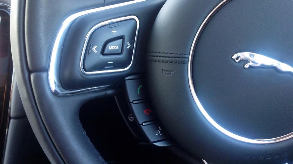 Jaguar XJ 3.0d V6 Portfolio [8] image 21